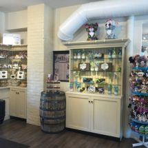 Hilliard's Candies_Norwell-wallandcornerdisplay